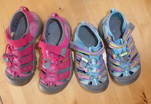 2 pairs of KEEN sandals, very good cond, $ 15 ea, size 13 and 1 Kitchener / Waterloo Kitchener Area image 1