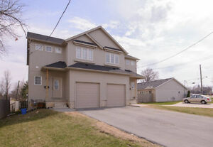 AFFORDABLE 6 BEDROOM HOME FOR RENT IN THOROLD! AVAILABLE AUG 1ST