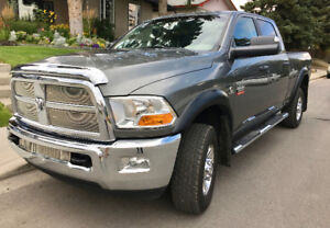 2012 DODGE RAM 3500 SLT  SHOWROOM CONDITION !!