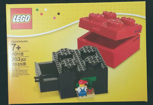 LEGO (40118) Buildable Brick Box 2x2 with minifigure, storage