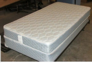 Twin bed mattress with box spring