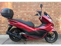 Honda PCX 125, Immaculate with 220 miles