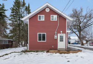 Check out this turn-key home centrally located in Penetang!