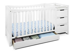 Remi 4-in-1 Convertible Crib - White With changing table 3$295