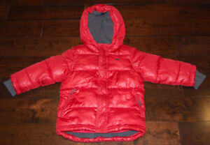 OLD NAVY Winter Puffer Jacket in Size 5T VERY GOOD CONDITION!