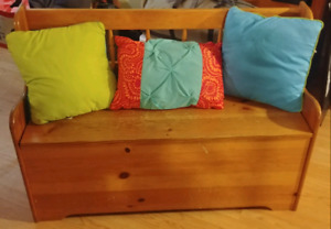 Storage bench with pillows. Need it gone. Make offer$.