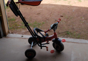 Child's trike with push handle