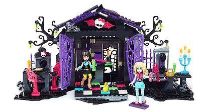 Mega Bloks~ Monster High~ Graveyard Garden Party~ Brand New