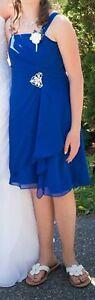 2 superbes robes pour jeunes filles