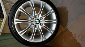 "Set BMW 18"" MV2 staggered alloys"