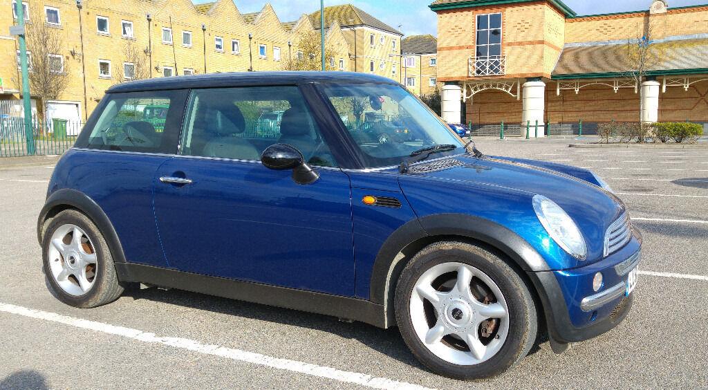 2002 MINI COOPER. Automatic transmission