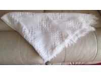 """TABLE COVER/CLOTH - WHITE, WEAVE PATTERN,FRINGED, 50"""" X 44"""" VGC"""