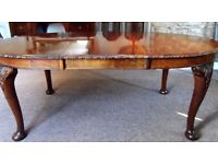 ** ANTIQUE ** LATE VICTORIAN~EXTENDING~SOLID WALNUT DINING TABLE