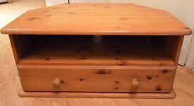 Oak TV Stand With Drawer