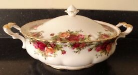 Royal Albert Old Country Roses Large Covered Vegetable Dish(Tureen)