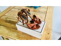 Beautiful Tan coloured high heels with rose detail size 6 by Friis & Co. - Like new