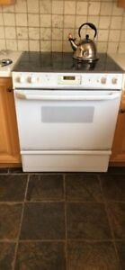 GE PROFILE ELECTRIC OVEN (SELF CLEANING)