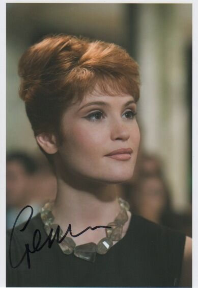 "Gemma Arterton ""James Bond"" Autogramm signed 20x30 cm Bild"