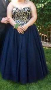 Princess Strapless Ball gown/Prom Dress - Size 24