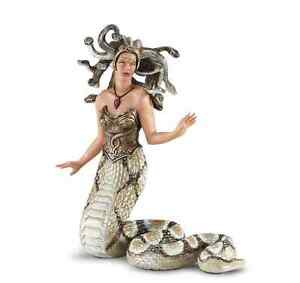 MEDUSA-from-Mythology-801929-MYTHICAL-REALMS-Free-ship-USA-w-25-Safari-Ltd
