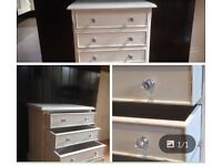 Small draw chest