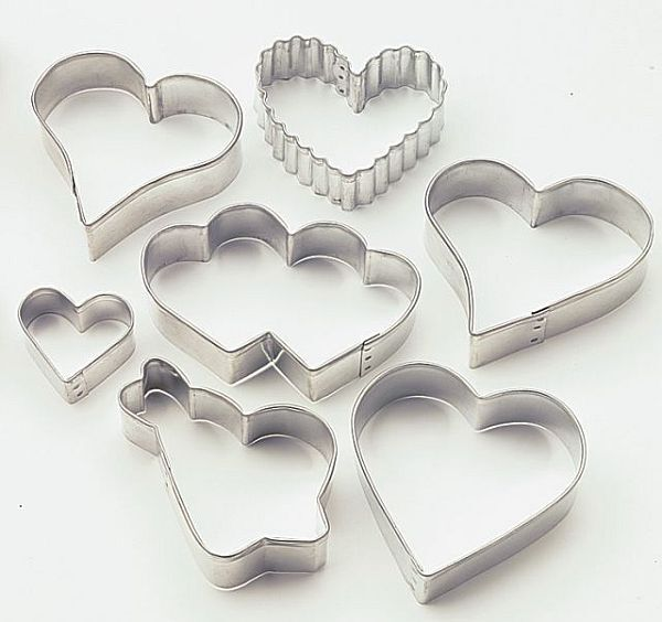 New Wilton Heart Shaped Cookie/Biscuit/Fondant Cutters 7 Piece Set Mothers Day