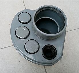 Waste pipe manifold