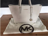 Michael Kors jet travel bag with dust bag included