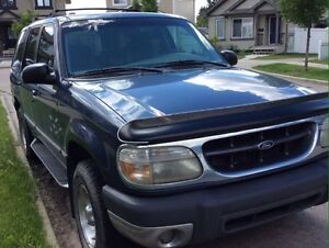 REDUCED PRICE!!! 1999 Ford Explorer  $1400