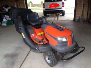 Husqvarna ride on lawn mower (LTH2038) Jamisontown Penrith Area Preview