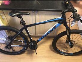 Giant 27.5 mountain bike