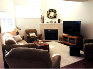 .§.§.Rancher Style Townhouse 1576 Sq. Ft.§.§. 2+ Den