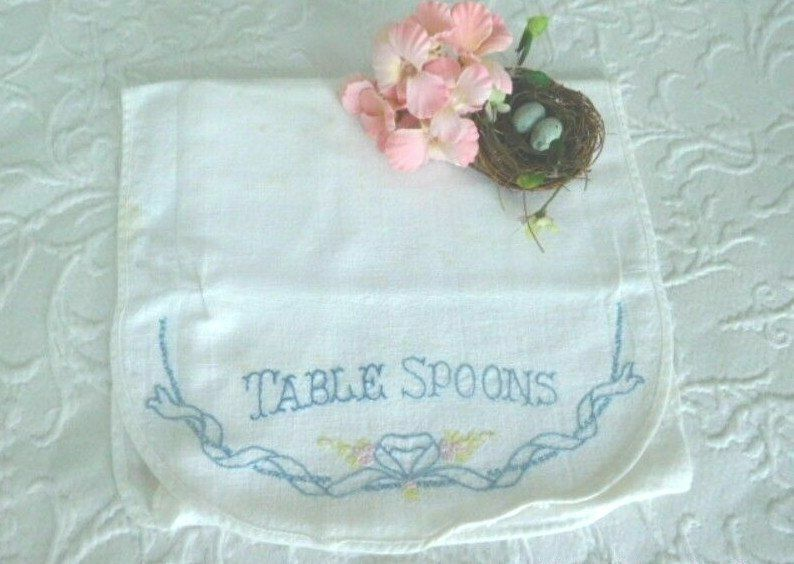 """VINTAGE COTTAGE CHARM * Antique EMBROIDERED """"TABLESPOONS"""" Linen CUTLERY CASE"""