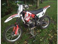 Gasgas ec200 enduro bike, road registered with mot
