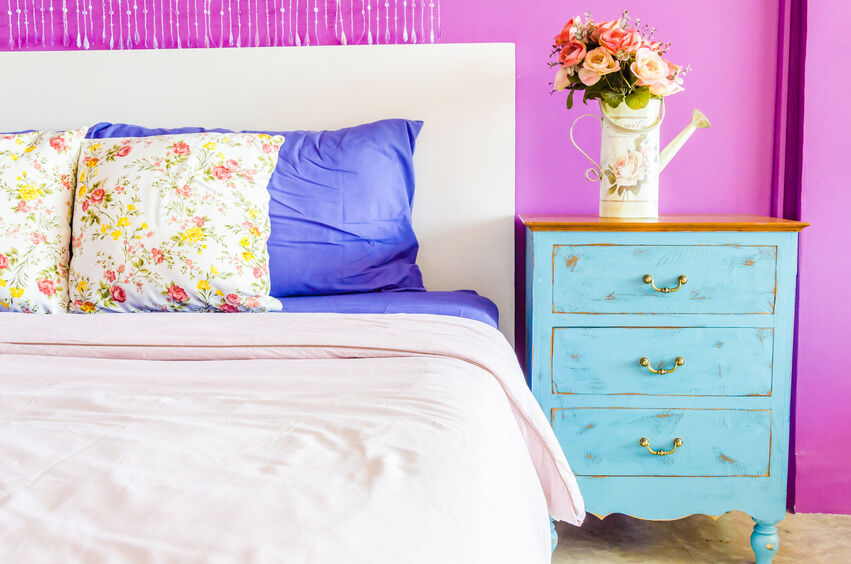 Shabby Chic Bedside Table Buying Guide