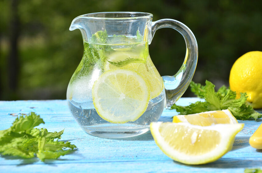 How to Find the Perfect Pitcher for Outdoor Dining
