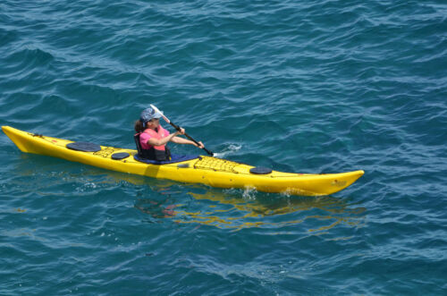 What Is the Difference Between a Kayak and a Canoe?