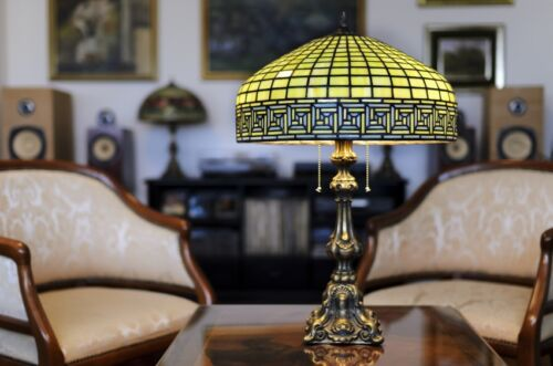Your Guide to Buying an Antique Brass Table Lamp