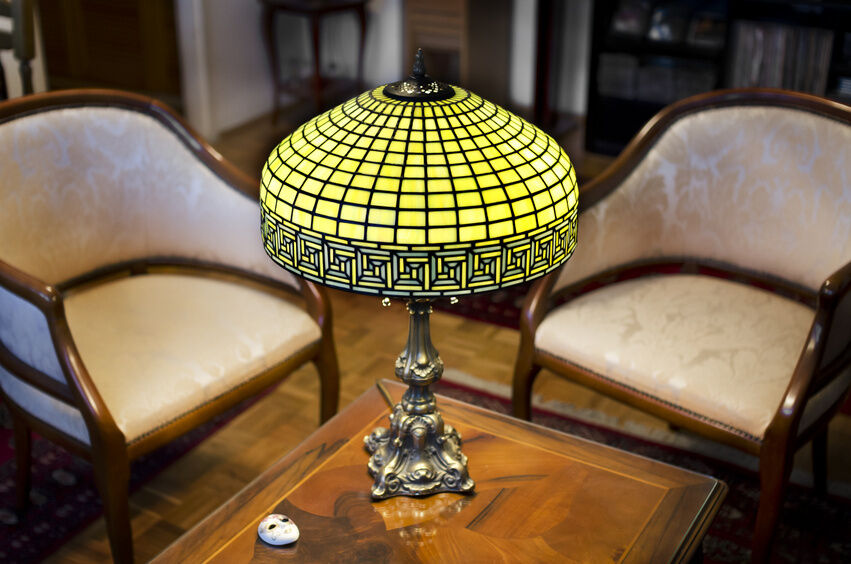 how to paint a glass lamp shade