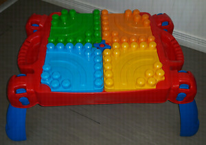 Table Mega Bloks