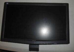 Acer LCD Monitor 20-inch Screen w-cords