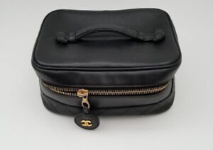 Auth Chanel Cosmetic Bag/Toiletry/Makeup Case