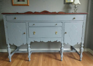 SOLID WOOD BUFFET IN GRAY