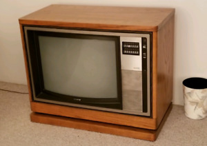 Oak cabinet with or without TV