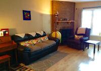 Looking for roommates sharing house near University of Calgary!