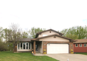 6 Bedroom house for rent in Spruce Grove - Nov 1 or 15