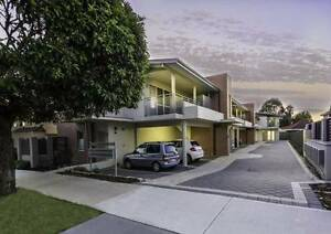 IDEAL FOR 2 PERSONS SHARING Redcliffe Belmont Area Preview