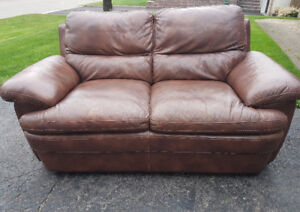 Brown Genuine Real Leather Love Seat.   EXCELLENT CONDITION!!