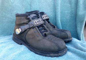 Icon motorcycle shoes/boots,  size 8 (42 euro)