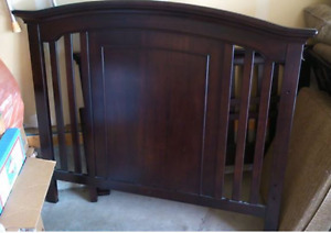 GUC Windsor Crib with toddler guard